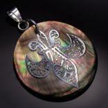 Prívesky s kameňom - Prívesok strieborný, perleťový, keltský znak