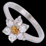 Prstene s kameňmi - Prsteň strieborný, zirkón, kvietok