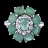 Prstene s kameňmi - Prsteň strieborný, zirkón, smaragd, kvet